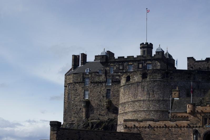 Castle-approach2