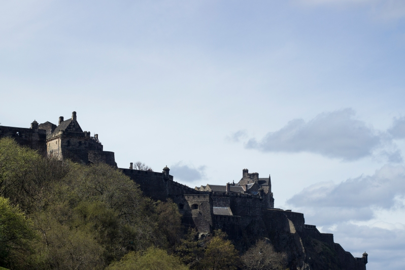 Castle-approach3