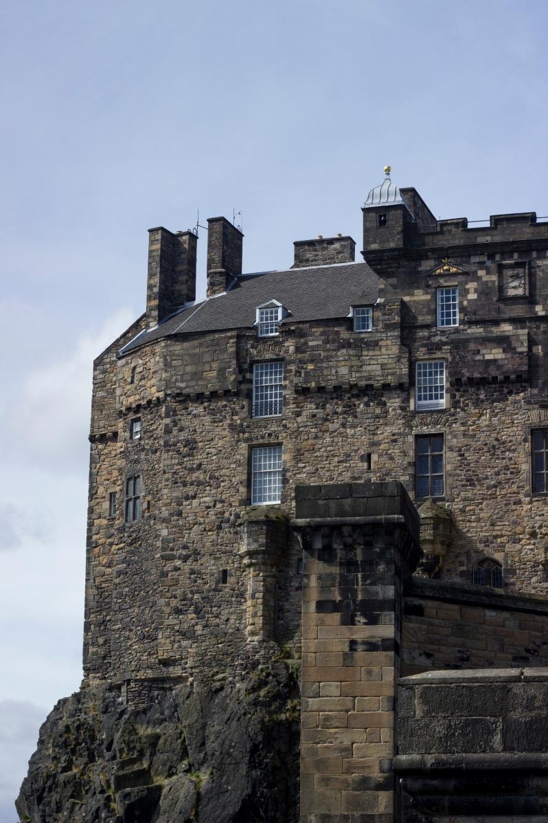 Castle_approach