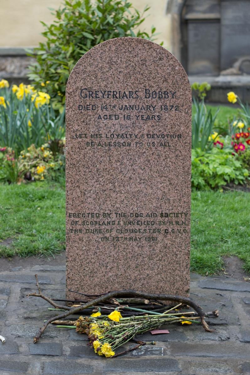 GreyfrairsBobby-headstone