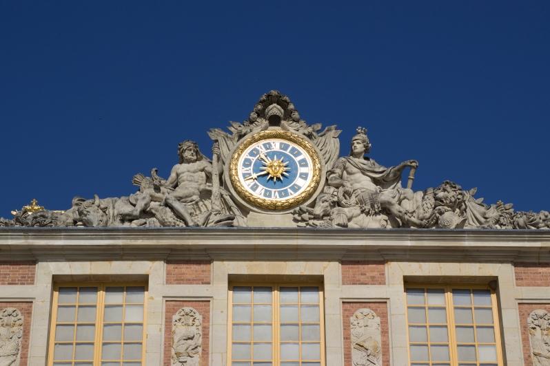 versailles-clock